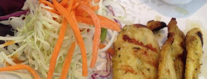 Authentic Thai Cuisine is one of สถานที่ที่ JK ถูกใจ.