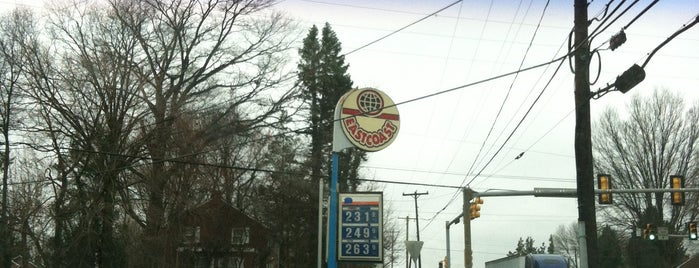 EastCoast / Springfield Gas is one of Tempat yang Disukai K..