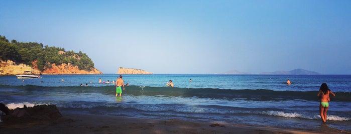 Chrysi Milia Beach is one of Lugares favoritos de Pete.