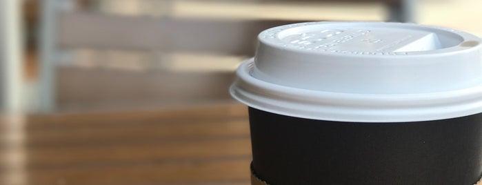 Peet's Coffee & Tea is one of Rachel : понравившиеся места.
