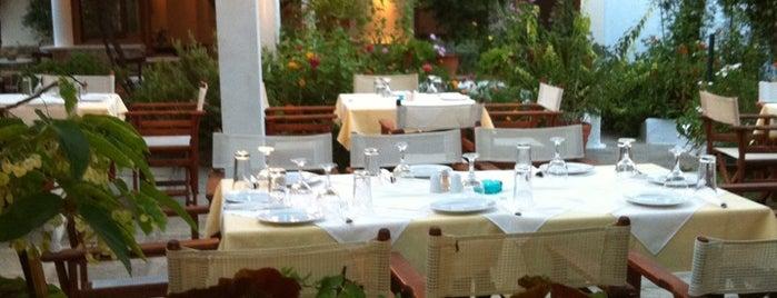 Περιβόλι Restaurant (Perivoli) is one of Skopelos.
