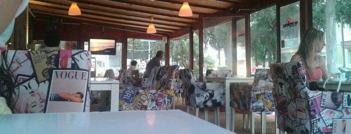 Adress Cafe is one of Posti che sono piaciuti a Tahsin.