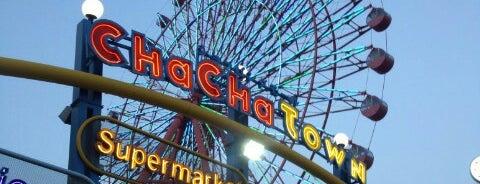 Chacha Town Kokura is one of Orte, die ken gefallen.