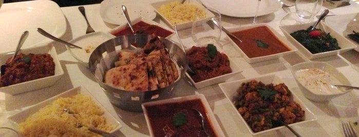 Bombay Brasserie is one of Tempat yang Disukai Ugur.