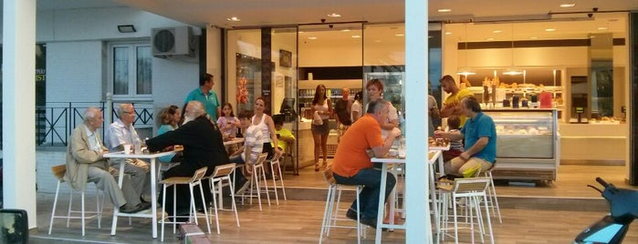 Apτοχωρα Bakery & Pattisserie is one of Posti salvati di Nezih.
