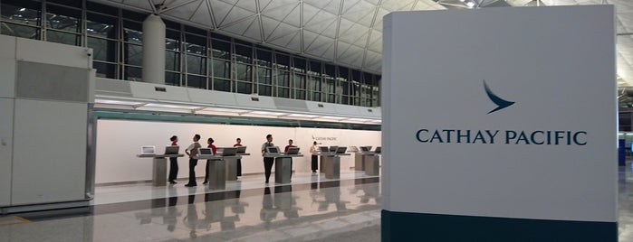 Cathay Pacific First Class Check-In is one of Posti salvati di Worldbiz.