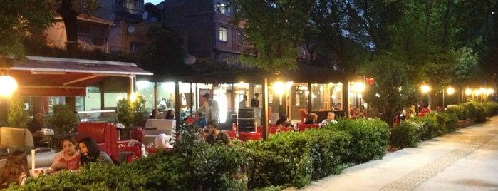 Rumeli Cafe Samatya Sahil is one of fatih 님이 좋아한 장소.