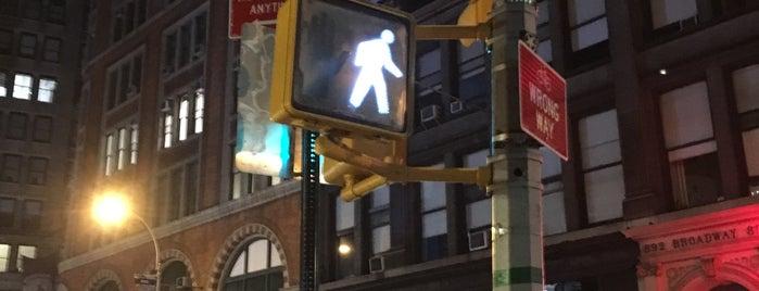 928 Broadway is one of Locais curtidos por Jason.