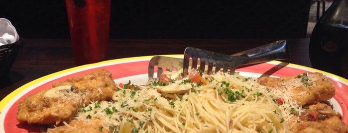 Italianni's Pasta, Pizza & Vino is one of Locais salvos de Alfonso.