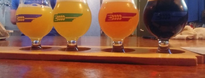 Southern Grist Brewing Company is one of Orte, die Cole gefallen.