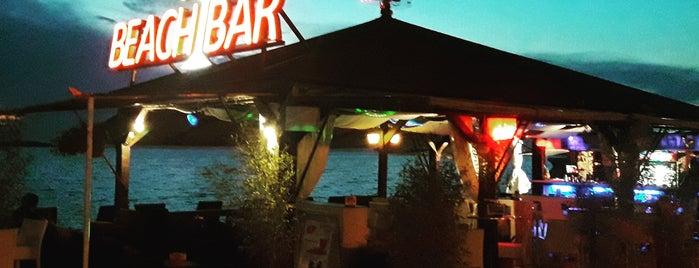 ChupaCabra Beach Bar is one of สถานที่ที่ Anu ถูกใจ.