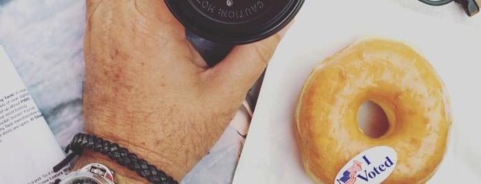 Primos Doughnut is one of Los Angeles CA 🎥🇺🇸.