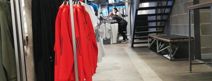 adidas Runners Store is one of Hoy en Berlin.