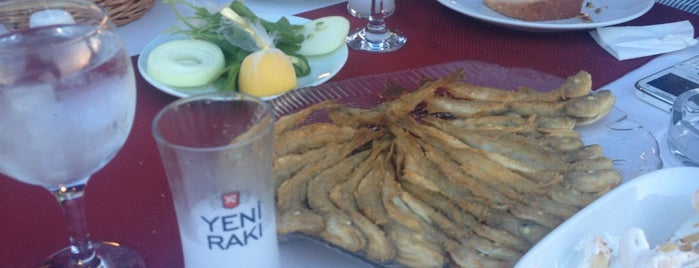 Akcakoca Akbey Balik Restaurant is one of Tempat yang Disukai Hasan.