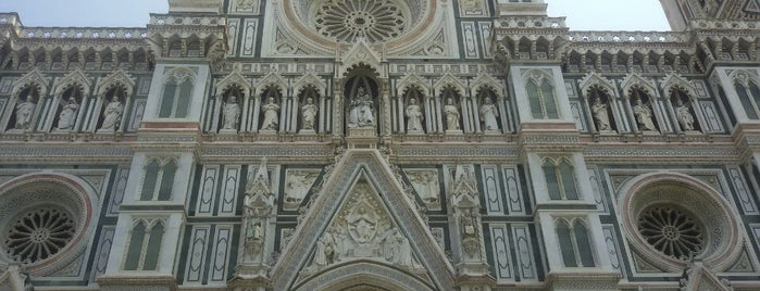 Plaza del Duomo is one of Lugares favoritos de Figen.