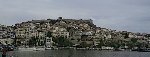 Port of Kavala is one of Lugares favoritos de Figen.