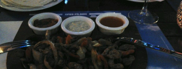 Zero Cafe & Restaurant is one of Orte, die Figen gefallen.