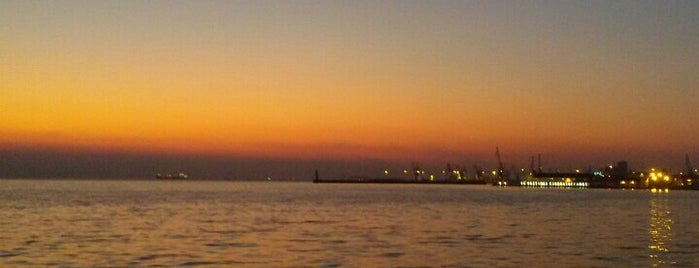 Thessaloniki Seafront is one of สถานที่ที่ Figen ถูกใจ.
