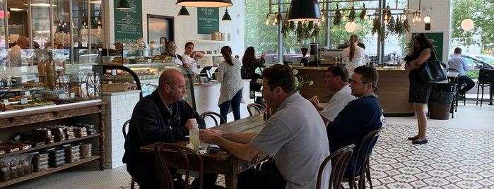 Tatte Bakery & Cafe is one of สถานที่ที่ Afi ถูกใจ.