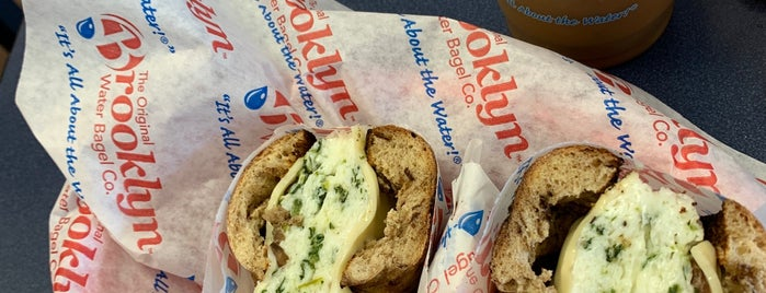 Brooklyn Water Bagel Co. is one of Lisaさんのお気に入りスポット.