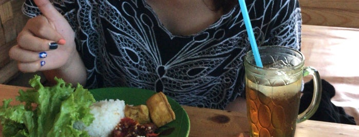 WSG (Warung Sate Gajah) is one of Good Food and Cheap.