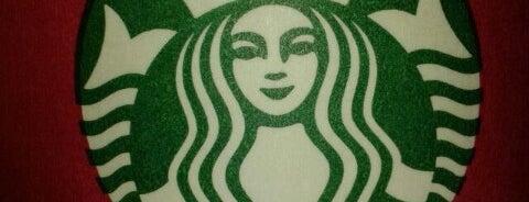 Starbucks is one of Lugares favoritos de Buse.