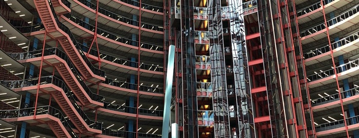 The Atrium at the Thompson Center is one of Chicago.