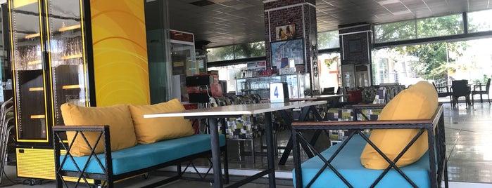 Kordon Cafe is one of Veysel'in Beğendiği Mekanlar.