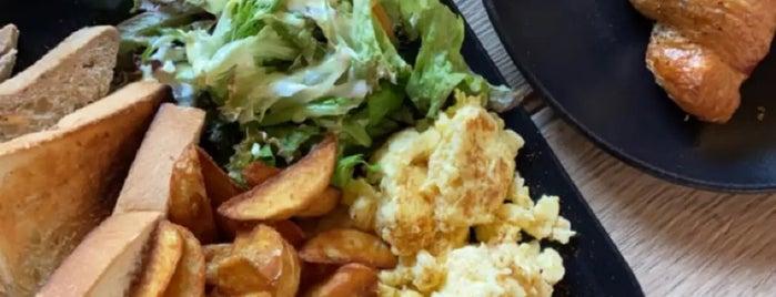 Welfare Center is one of Posti che sono piaciuti a Foodie 🦅.