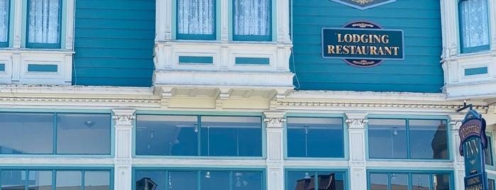 Victorian Inn is one of Favorite.