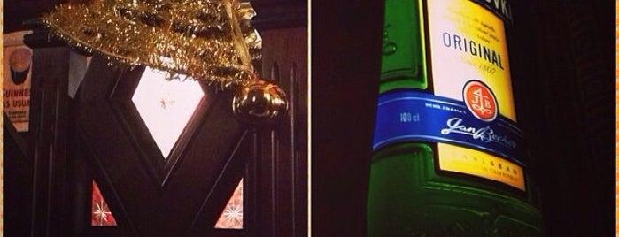 Mollie's Irish Pub is one of Orte, die Maria gefallen.
