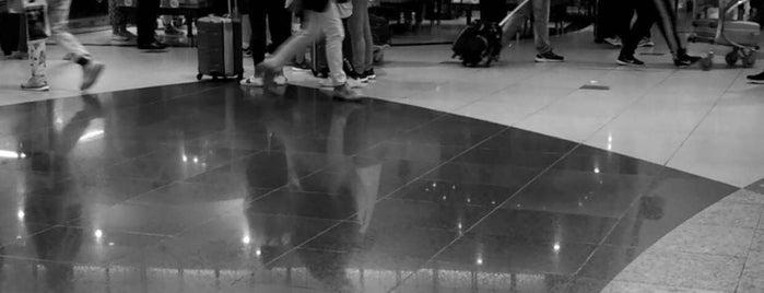 Kuwait International Airport (KWI) is one of Lieux qui ont plu à BRB999.