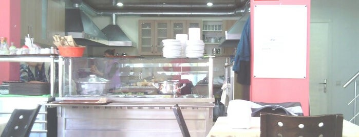 Cafedeyim is one of Lugares favoritos de Melike.