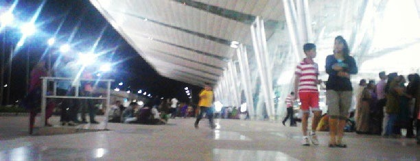 Sardar Vallabhbhai Patel International Airport is one of World AirPort.