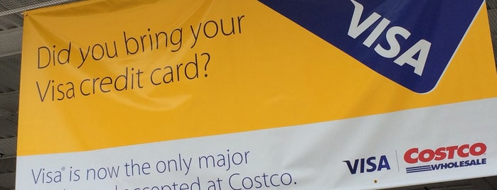 Costco is one of Orte, die Gil gefallen.