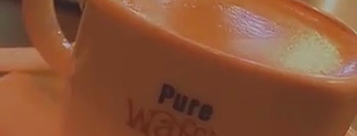 Pure Waffle is one of Queenさんの保存済みスポット.
