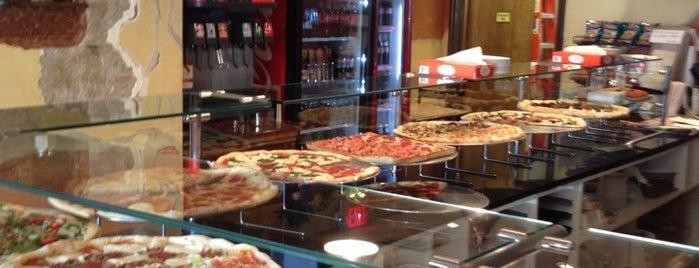 Artistic Pizzeria is one of Tempat yang Disukai Matt.