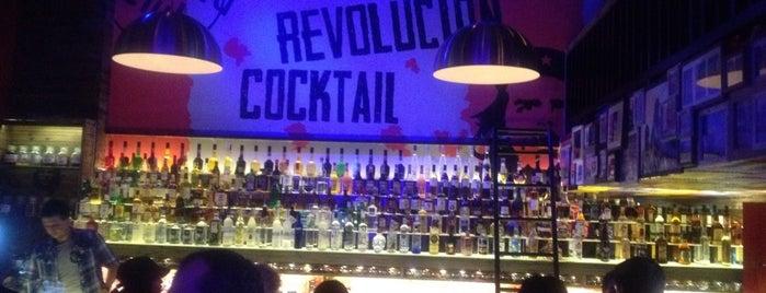Revolucion Cocktail is one of Orte, die Nicole gefallen.