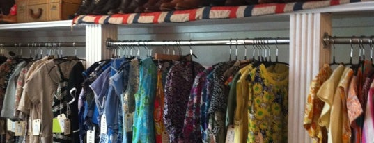 Oona's Experienced Clothing is one of Secondhand Shops.