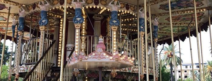 Carrousel 1900 is one of Locais curtidos por Rita.