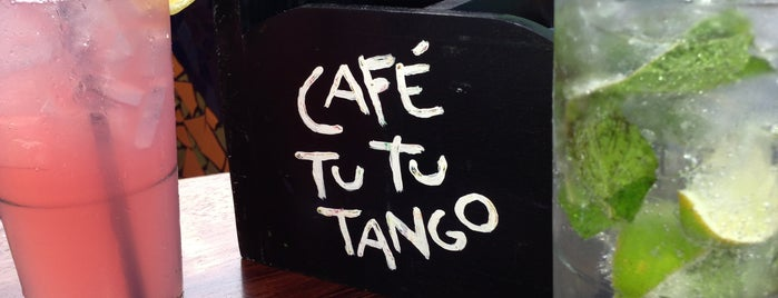 Café Tu Tu Tango is one of Lieux qui ont plu à Anna.