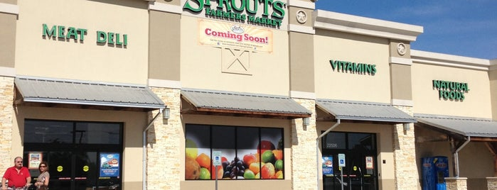 Sprouts Farmers Market is one of Damien : понравившиеся места.