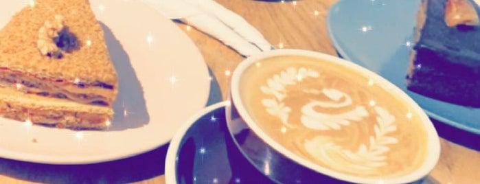 Ekleel Cafe is one of Queen'in Kaydettiği Mekanlar.