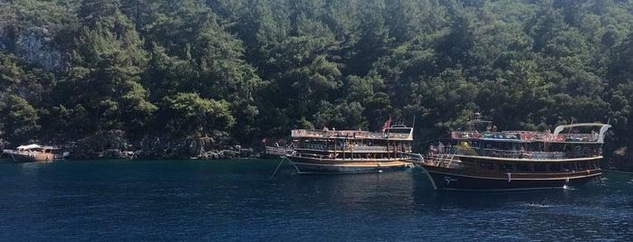 Lacivert Koyu,Akyaka is one of gamze'nin Beğendiği Mekanlar.