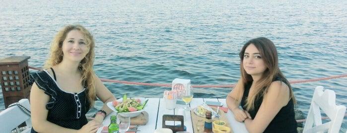 Denizaltı Cafe & Restaurant is one of gamze'nin Beğendiği Mekanlar.