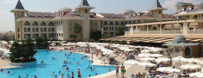 Side Star Resort Hotel is one of Lugares favoritos de Yılmaz.