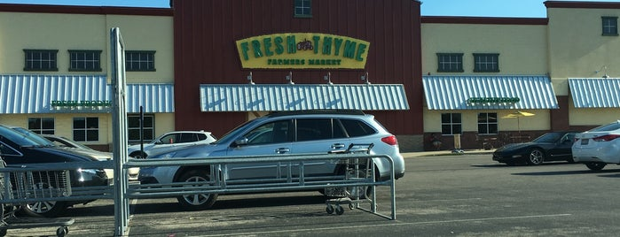 Fresh Thyme Farmers Market is one of Lugares favoritos de Tim.