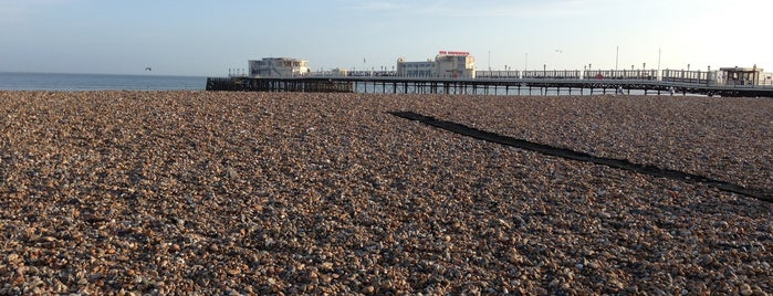 Worthing Beach is one of Lugares favoritos de Del.
