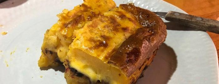Sandwichería Mitos is one of Locais curtidos por Marga.