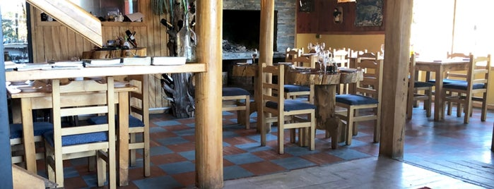 Restaurant El Arrayan is one of Orte, die Alvaro gefallen.